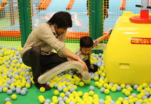 アクションボール・キッズビーの室内遊具