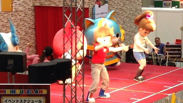 ミキハウスイベント「ミキハウスランド」キャラクターショーの様子「妖怪ウォッチ」