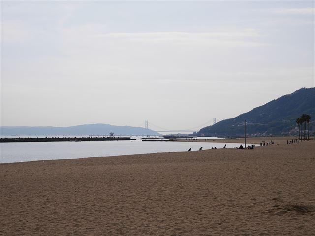 須磨海浜水族園の裏にある海水浴場