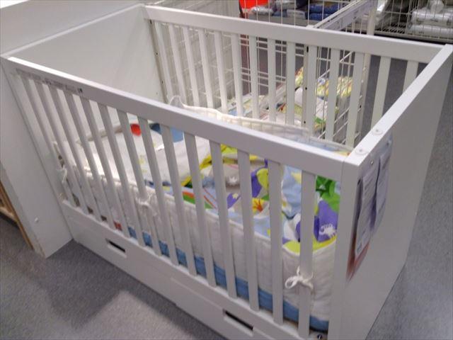 IKEAのベビーベッド「ストゥヴァ(STUVA)」