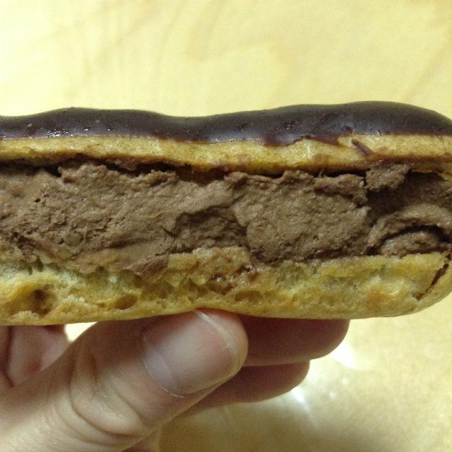 ル ショコラ ドゥ エクチュア(LA CHOCOLATERIE DE Ek Chuah)・プチシュークリームのチョコレートの量