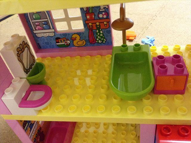 レゴデュプロ「プレイハウス」3階建ての家、トイレ&お風呂
