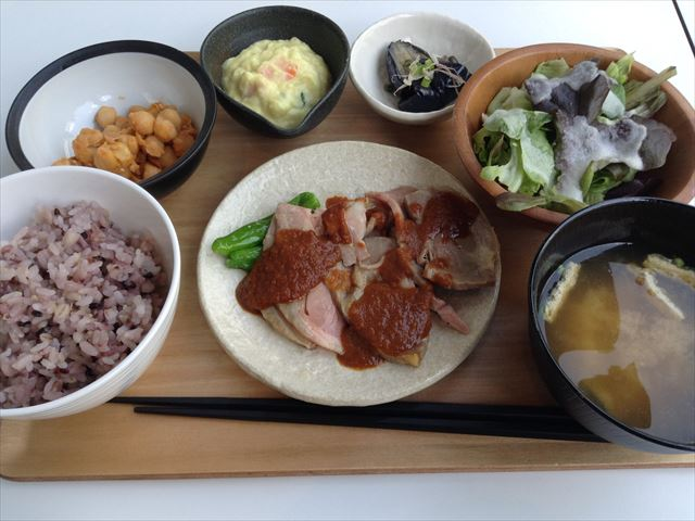 「アスショク」森ノ宮キューズモール店、パワー定食