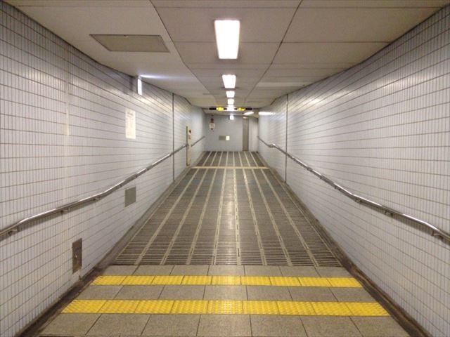 地下鉄森ノ宮駅7-A出口を歩いている道中