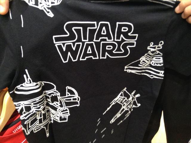 ユニクロ「スターウォーズ」子供用Tシャツ