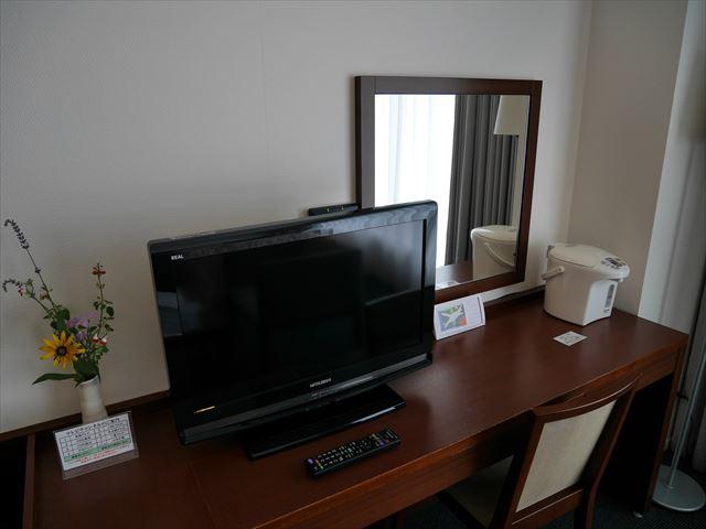 ホテルシャンベール部屋の内装・テレビ