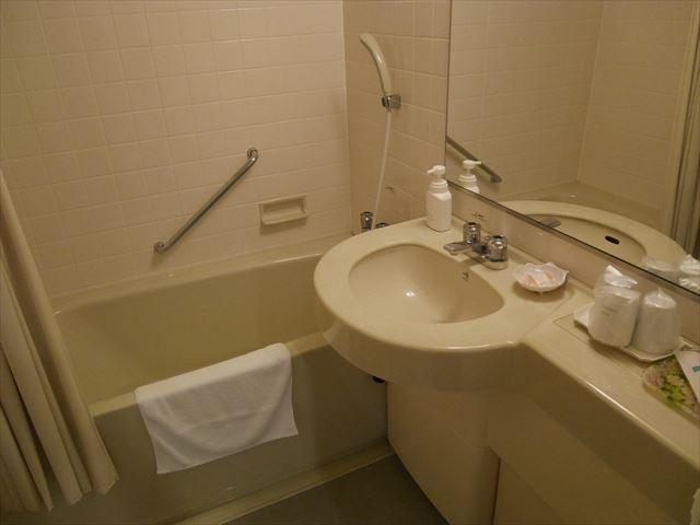 ホテルシャンベール(メナード青山リゾート)・風呂&洗面所