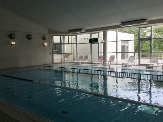 メナード青山リゾート「青山ホテル」室内プール
