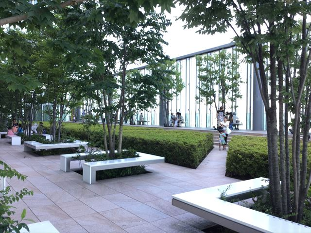 あべのハルカス16階庭園の様子