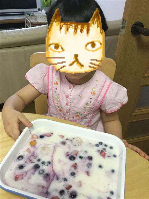 手作り簡単スイーツ「カルピスフルーツゼリー」を子供と作ってみた。準備OKの様子