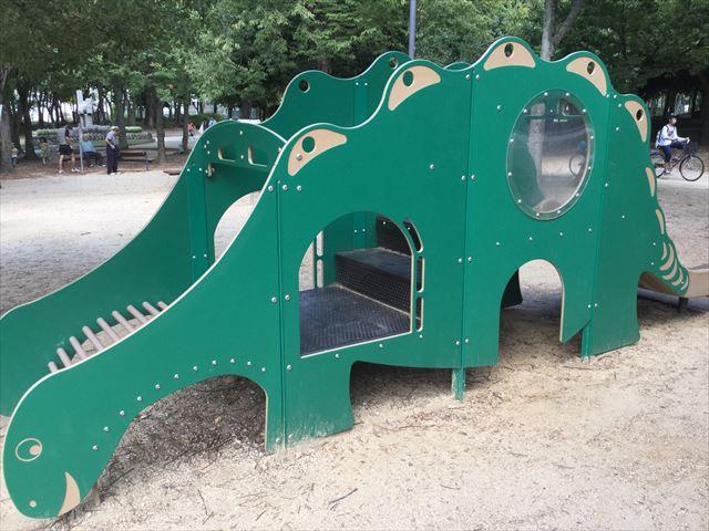 「児童の森」大仙緑地公園の遊具2(幼児向け)恐竜