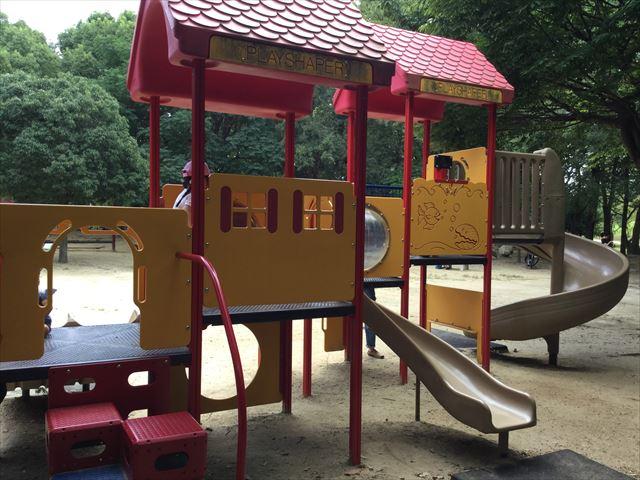 「児童の森」大仙緑地公園の遊具4(幼児向け)潜水