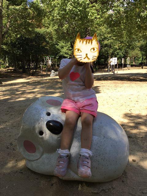 「児童の森」大仙緑地公園の遊具・いすやベンチ