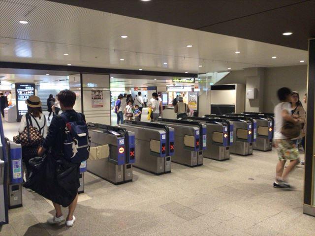 阪急電車・梅田駅・2階中央改札付近