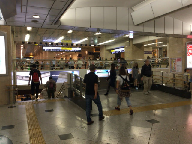 JR大阪駅地下通路