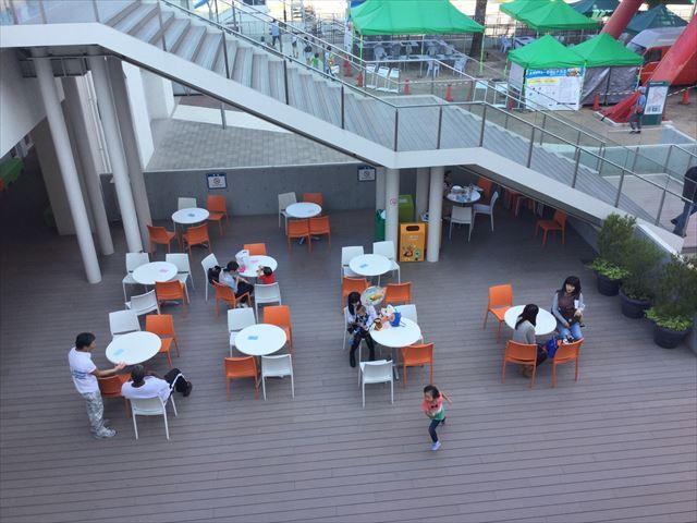 1階食事スペース