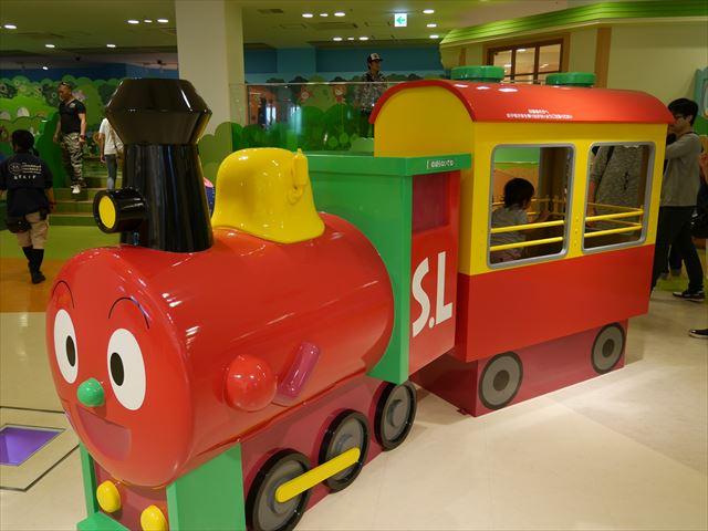 「神戸アンパンマンミュージアム」機関車SLマン
