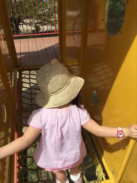 舞洲緑地公園の遊具広場(大型遊具)遊具の中の様子