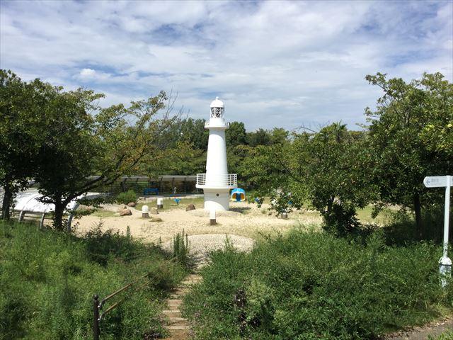 舞洲緑地・芝生公園と灯台