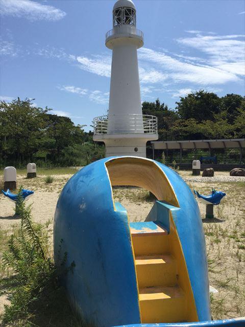 舞洲緑地公園・くじら滑り台