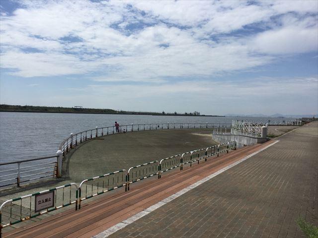 舞洲から見た北港