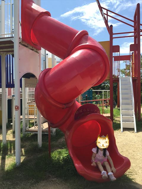 舞洲緑地公園の遊具広場(大型遊具)滑り台