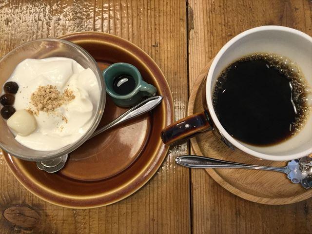 サンミの豆乳プリンの黒蜜がけ、タンポポコーヒー