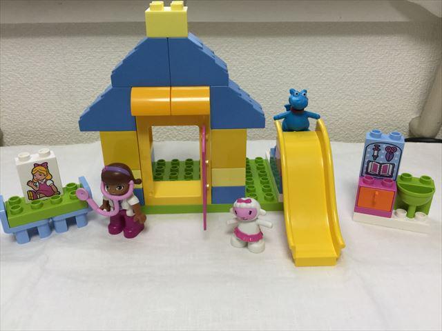 """レゴ・デュプロ「ドックはおもちゃドクター""""うらにわのびょういん""""(10606)」組立て"""