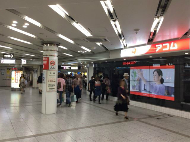 谷町線「東梅田駅」に向かう地下街