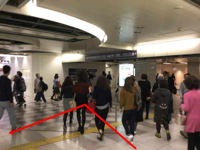 阪神百貨店出入口の様子