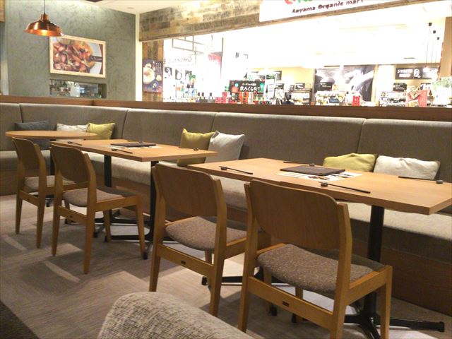 グランフロント大阪「24/7 cafe apartment」店内の様子