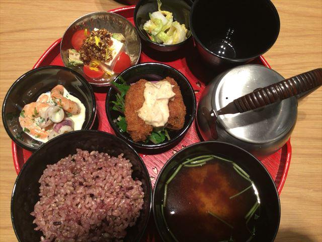 グランフロント大阪「24/7 cafe apartment」で注文したランチメニュー「至福のごはん」