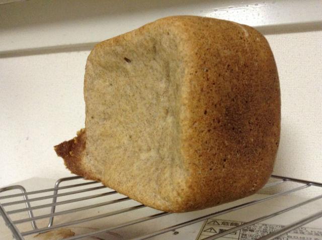 綺麗に膨らまなかった食パン一例