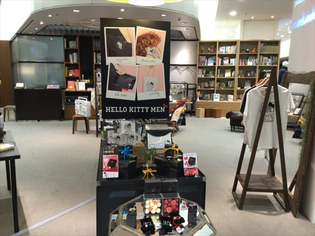 「HELLO KITTY MEN × The Lobby」店内の様子