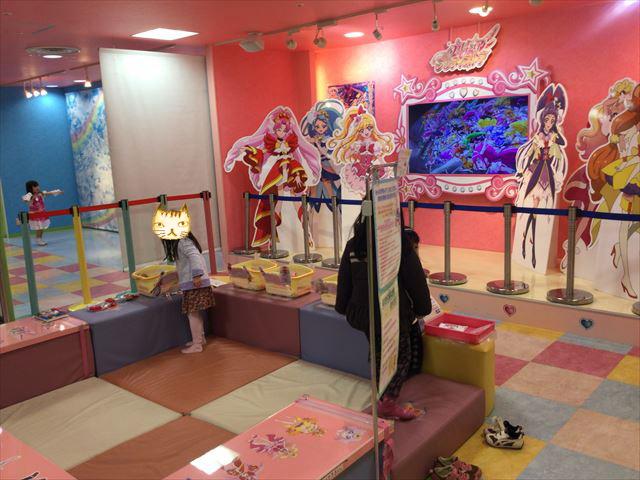 「プリキュアプリティストア」大阪本店のお絵かきコーナー