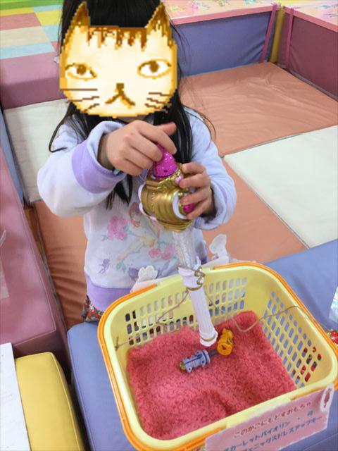「プリキュアプリティストア」大阪本店のおもちゃコーナー