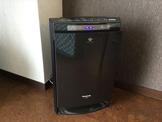 「琵琶湖ホテル」ラグジュアリーフロアアクアの部屋、空気清浄機