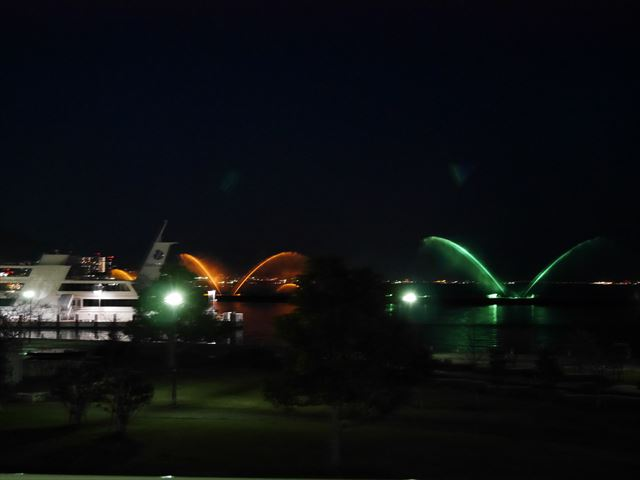 琵琶湖ホテル部屋からの眺め。夜景