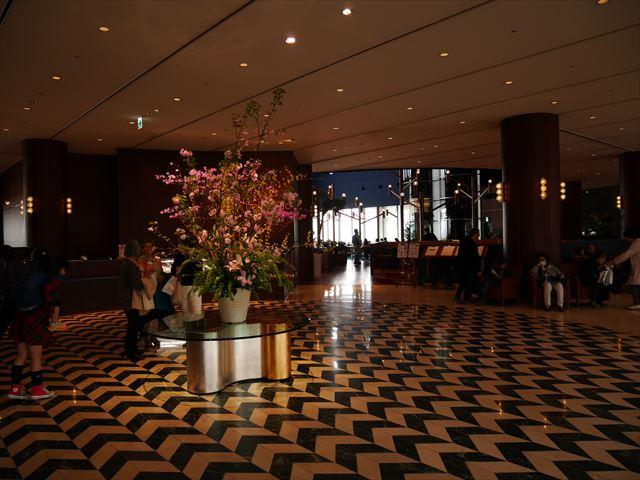 琵琶湖ホテルロビー