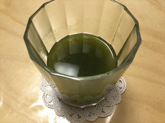 「ふるさと青汁」をお湯で混ぜてみた