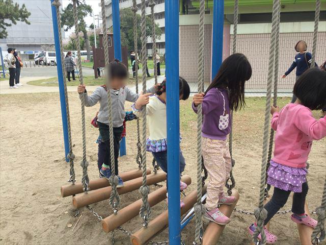 浜寺公園「北児童遊技場」巨大複合滑り台。アスレチック風