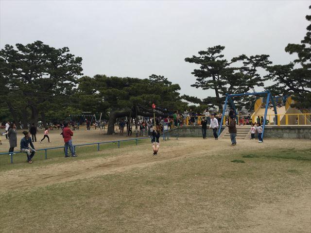 浜寺公園「北児童遊技場」ぶら下がって移動する遊具