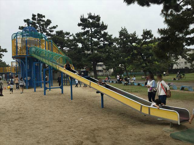 浜寺公園「北児童遊技場」巨大複合滑り台。