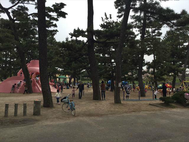 浜寺公園「南児童遊技場」入口付近