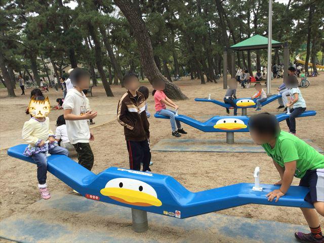 浜寺公園「南児童遊技場」ペンギンシーソー