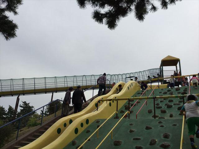 浜寺公園「南児童遊技場」特大滑り台の上にも滑り台が