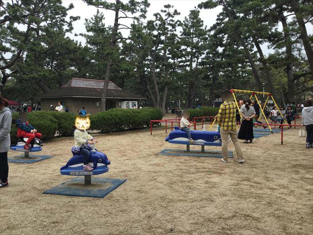浜寺公園「南児童遊技場」ブランコ