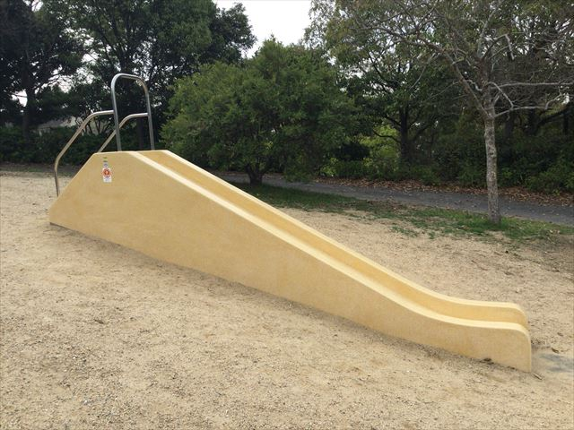 浜寺公園「高石児童遊技場」ミニ滑り台