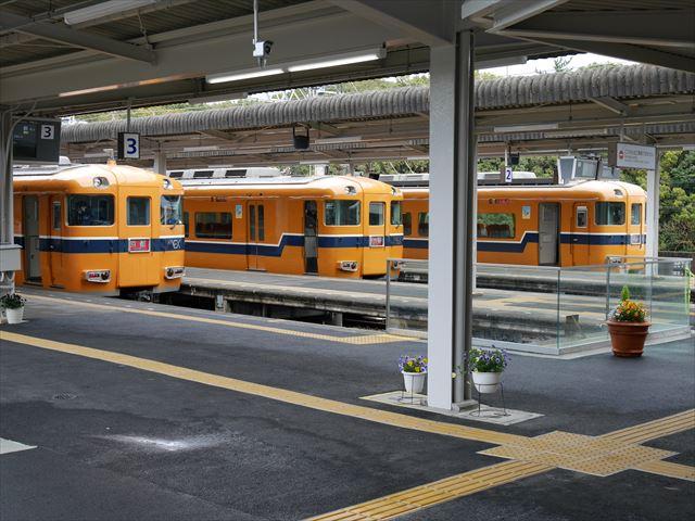 近鉄特急ビスタカー3台(京都・名古屋・大阪行き)