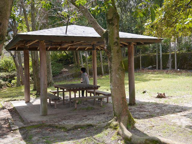 皇子が丘公園内の東屋